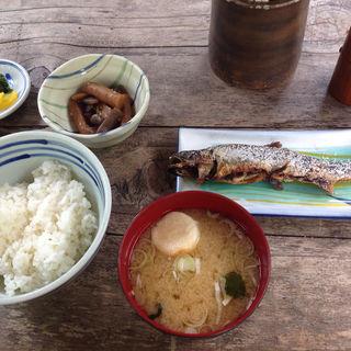 岩魚の塩焼定食(嘉門次小屋 (カモンジゴヤ))