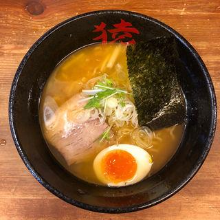 桃猿醤油(桜えび)らーめん + バタートッピング(麺や猿 )