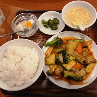 エビイカと野菜の辛味炒め(美山飯店)
