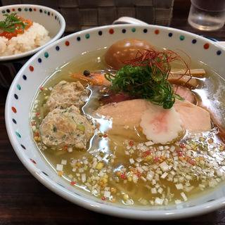 新春白だし極麺〜おめで鯛ご飯付き〜 あじ玉(らー麺 あけどや )