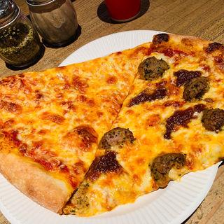 ハンドメイドミートボールピザ(Pizza Slice 2)