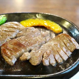 厚切り牛タン鉄板焼き定食