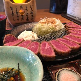牛かつ定食 M (160g)(牛かつ専門店 うし寅)
