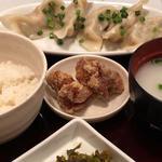 水餃子定食(肉汁餃子酒場 餃子ストック221 横浜みなとみらい店)