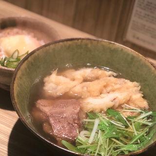 早割うどん定食(豚とろうどん+温泉たまごごはん)(本町製麺所 本店 )