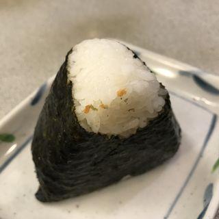 鮭おにぎり(かめや 神田西口店 )