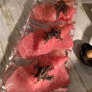 サーロインの炙り握りトリュフ添え(うしごろバンビーナ 渋谷店 (焼肉&バル))