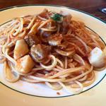 帆立貝柱とポルチーニ茸のトマトソースパスタ