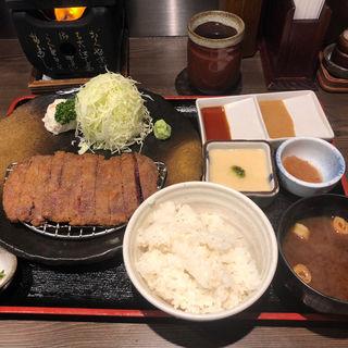 牛ロースかつ麦飯セット(牛かつ もと村 東京駅八重洲口店 )