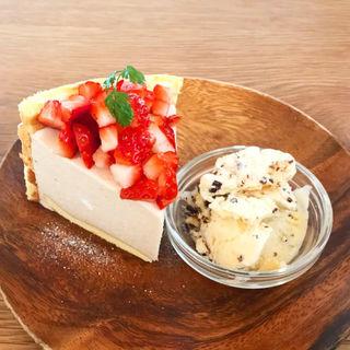 米粉の苺ケーキ