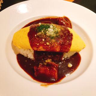 チーズin!バターチキンカレーオムライス(トラットリア ぶどうの木 金沢フォーラス店)