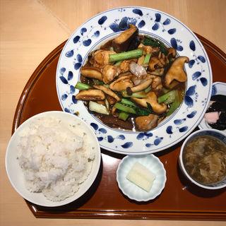 キノコと牡蠣のオイスターソース炒め(龍眉虎ノ尾 西麻布)
