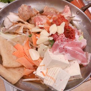 つくねと豚の旨辛チゲ味噌鍋(とりどーる 西神戸店 )