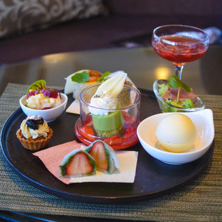 Strawberry Afternoon Tea 〜お茶尽くしHAIKARA〜(ラウンジ&テラス ル・オーシャン)
