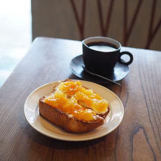 金柑ジャムとサマークリームのトースト(コーヒー ハット (coffee HUT))