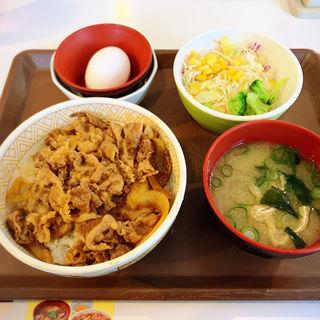 牛丼(並盛)サラダセット(すき家 環八高井戸店 )