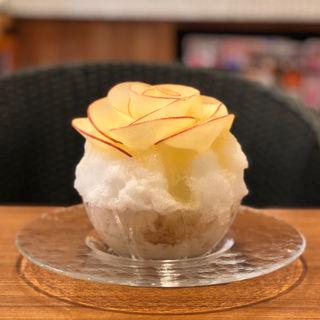 りんごの花のかき氷(カフェ サブヒロ (CAFÉ SabuHiro ))