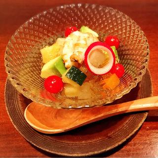 地海老とアボカドと旬野菜のジュレサラダ(にかいのおねぎや 笹木 (にかいのおねぎや ささき))