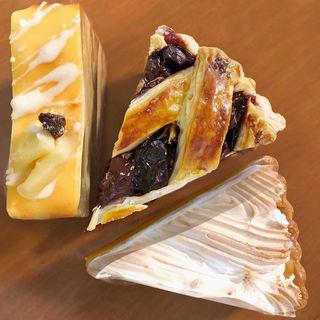 チーズケーキ&チェリーパイ&レモンパイ(パインフィールドマーケット (Pine Fields Market))