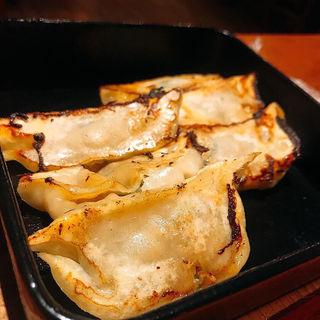 鉄鍋餃子(餃子のロッキー)