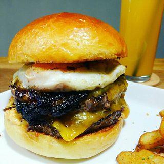 W照り焼きチーズエッグバーガー(Craft Burger co. 堂島店)