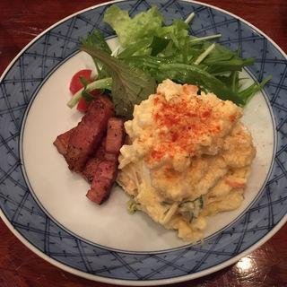 新じゃが玉子ベーコンのポテトサラダ(庵朱 )