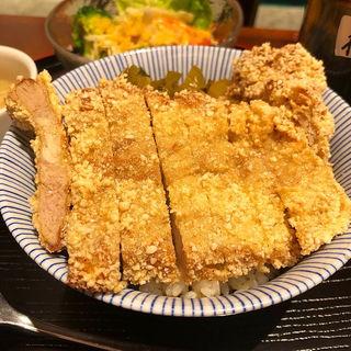 排骨飯(媽媽菜館 六花 )