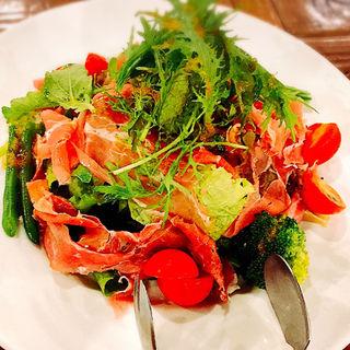 グリーンサラダとプロシュートの盛り合わせ(ピッツァリーヴァ 横川店 (PIZZARIVA))