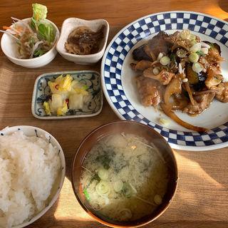 なす豚味噌炒め定食(はこざき駅前食堂)