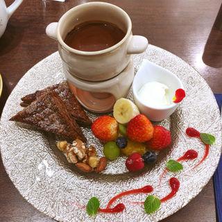 ピアット ェ ピアット♥バレンタインドルチェプレート2皿ドリンク付き(カファレル 神戸北野本店 (Caffarel Cioccolate))