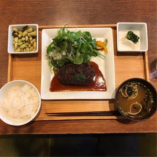 食事セット(ごはんお味噌汁香の物おひたし)(フクモリ )