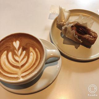 カフェラテ(ブルーボトルコーヒー 目黒カフェ)