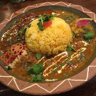 豆と挽肉のサルサカレー&カブのミントチキンカレー(Trippin Spice)