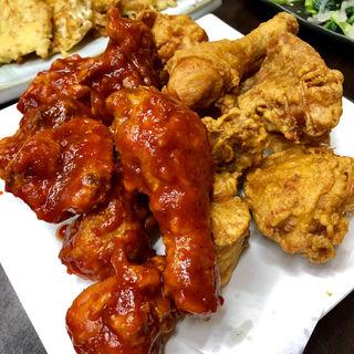 フライドチキン&ヤンニョムチキン(ママ チキン (Mama Chicken))