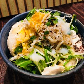 自家製豆腐とじゃこサラダ(煉 大宮店)