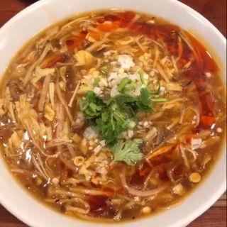 酸辣湯麺(SHIBIRE NOODLE 蝋燭屋)
