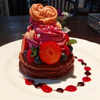 チョコとベリーのパンケーキ(カフェアンジェ (Cafe Ange))