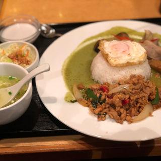 ランチ グリーンカレー&ガパオライス(タイガーデン 渋谷店 )