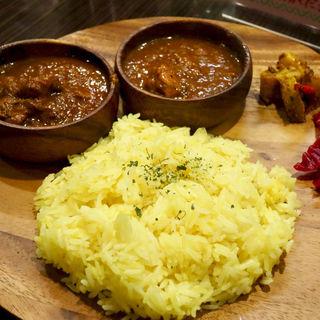 チキンとフィッシュのあいがけカレー(マサラ食堂)