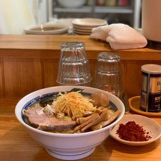 塩ラーメン+味玉 (としおか)