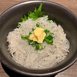 生しらす丼(海鮮居酒屋さんせん )