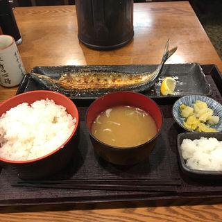 秋刀魚の開き定食