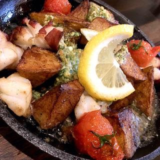 タコとポテトのエスカルゴバター焼き(旬味旬菜 大和)