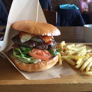 オージービーフ100パーセントハンバーガー