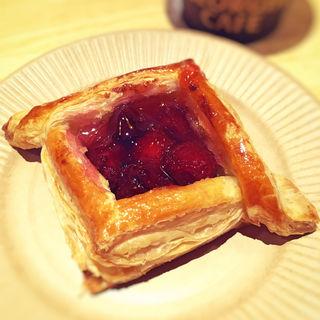焼き立て苺パイ
