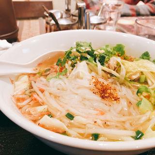 ナンプラー麺(タイ料理 パヤオ )
