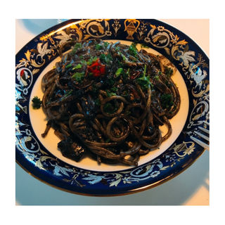 イカスミのスパゲッティ