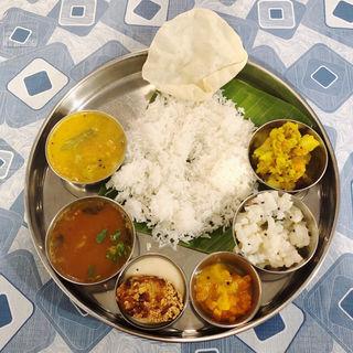 ランチミールス(南インド プドゥチェリ)