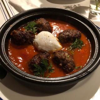 ラム肉とミートボールと卵のタジン鍋