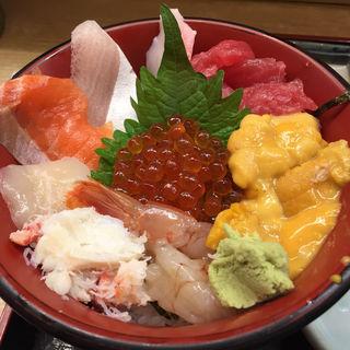 海鮮丼(仲家 (なかや))